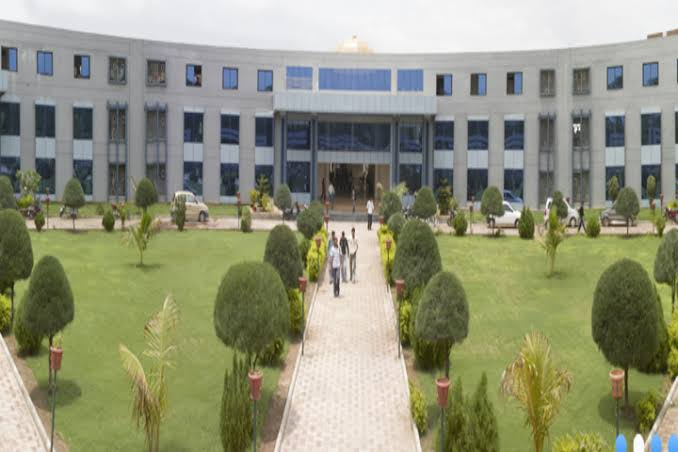 LDRP Institute of Technology and Research, Mechanical Hall